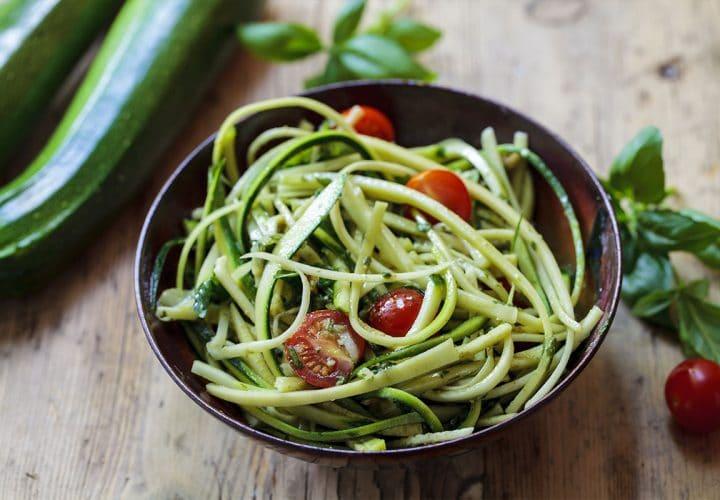Spaguetti de courgette et tomate